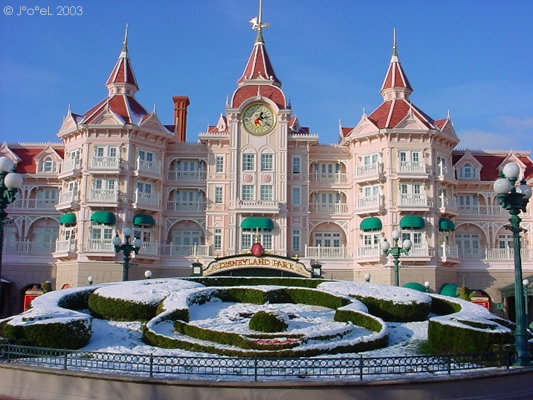 Cheap Hotels Near Disneyland Paris