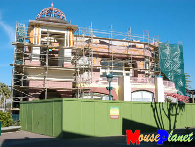 Construction continues on the facade of the new Tortilla Joe's restaurant in Downtown Disney. Photo by Adrienne Vincent-Phoenix, copyright MousePlanet.