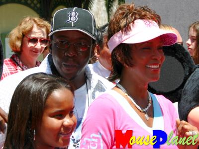 """The image """"http://www.mpimages.net/dlr/compressed/Downtown_Disney/whitney_houston_and_bobby_brown-stroup.jpg"""" cannot be displayed, because it contains errors."""