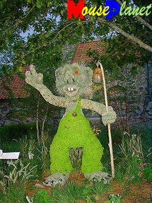 This troll, in front of the Akershus Castle in the Norway Pavilion, would give Quasimodo a run for that great mask contest during the festival of fools.