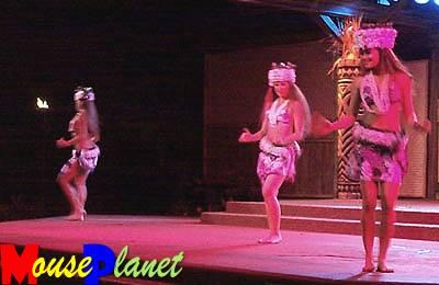 Disney world 12 jours de rêves en image Spirit_of_aloha_tihitian_dance_fendrick