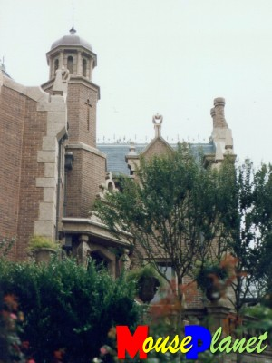 PHOTO: Haunted Mansion.