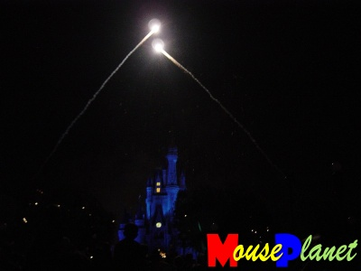 PHOTO: Wishes fireworks