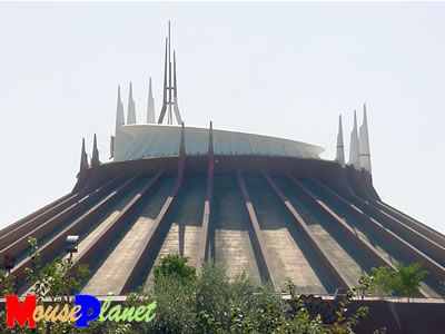 PHOTO: Space Mountain